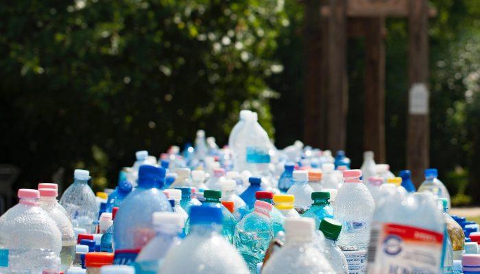 Переработка пластика и пластиковых бутылок в России